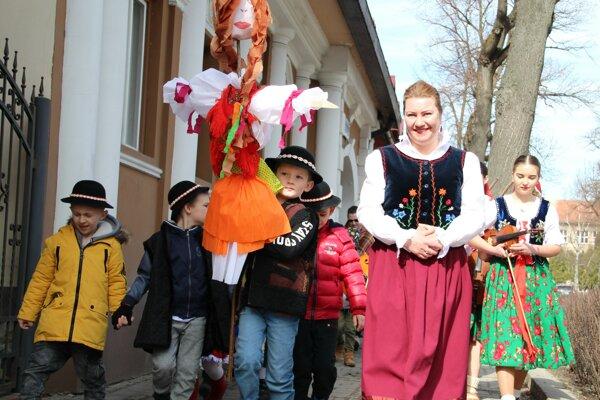 Tvrdošínski škôlkari si tradičnú akciu užívali naplno.