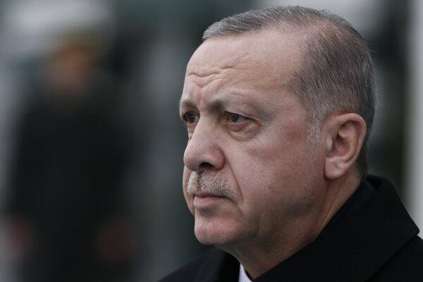V Turecku poslali na doživotie 37 ľudí za pokus o vraždu Erdogana