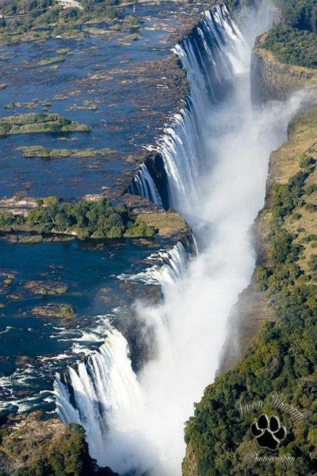 Viktóriine vodopády na rieke Zambezi.