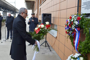 Veľvyslanec Izraela na Slovensku Zvi Aviner Vapni počas pietnej spomienky.