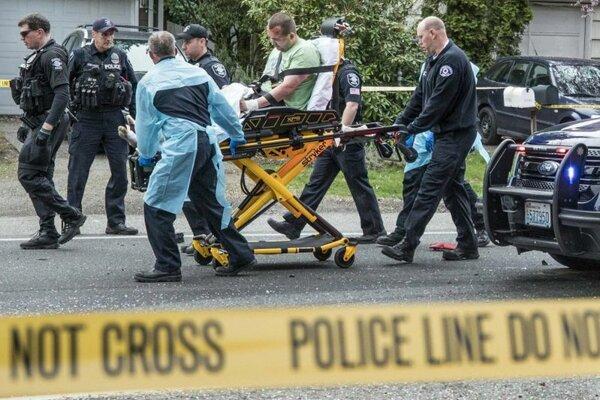 Jeden zo zranených po  streľbe v americkom meste Seattle.