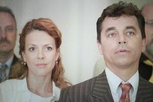 Andrea Kerestešová Růžičková ako Urbanova (Pomajbova) manželka.