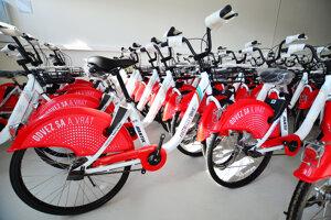 Konečný počet bicyklov v meste by sa mal vyšplhať na 1000.