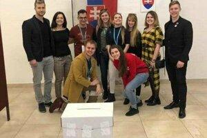 Do Svrčinovca si prišli odvoliť slovenskí medici študujúci v Brne.