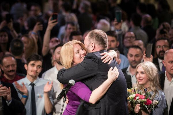 Zuzana Čaputová oslavuje víťazstvo v prezidentských voľbách.