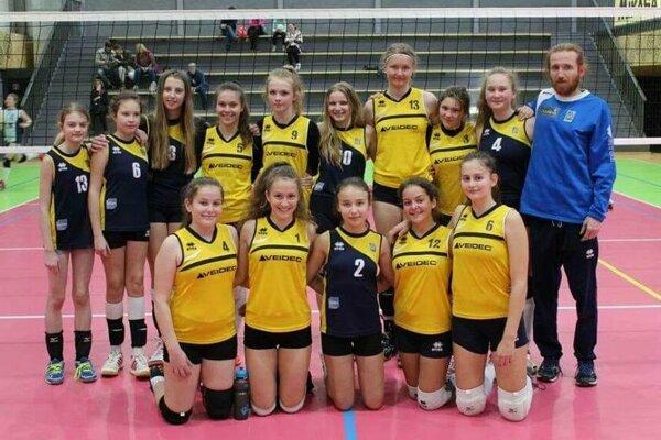 Mladšie žiačky Volleyball Academy Žilina.