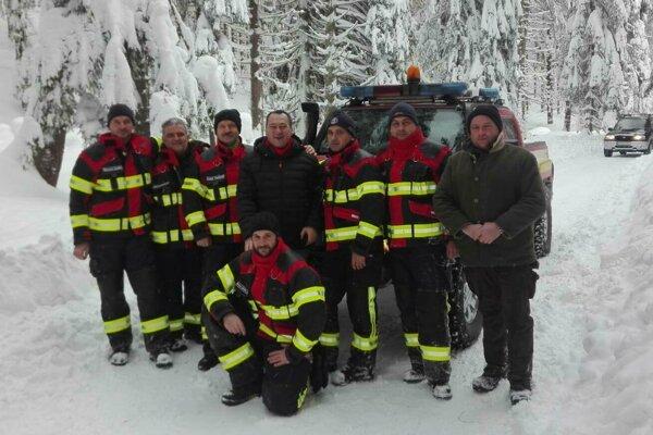 Dobrovoľní hasiči z Trnavy nechýbali ani pri kalamite na Orave, kde taktiež vo veľkom pomáhali.