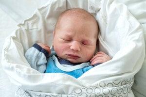Mathias Mazán (3390 g, 52 cm) sa narodil 25. marca Simone a Erikovi z Novej Dubnice.