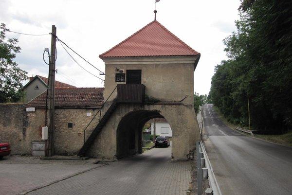 Južná veža v Bojniciach sa dočká obnovy.