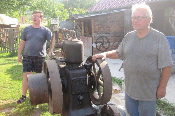 Pohóczki už takmer dvadsať rokov zhromažďujú na svojom dvore rôznu techniku.