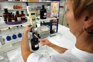 Výsledky laboratórnych vyšetrení vylúčili, že by pacient trpel ochorením na chrípku typu A aj B či A H1N1.