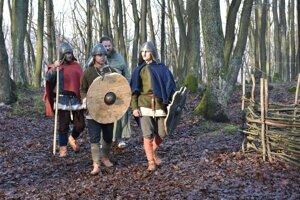 Veľkomoravskí bojovníci v podaní členov historickej skupiny Herian.