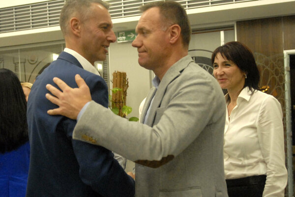 Raši s Čislákom počas osláv obhajoby primátorského postu 2014.