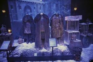 Kostýmy z amerického dobrodružno-fantastického televízneho seriálu Games of Thrones.