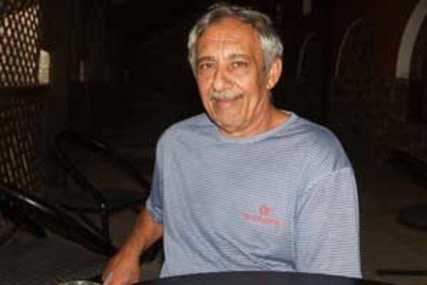 Rómske hliadky, ktoré kontrolujú vo večerných hodinách ulice a nočné podniky, má na starosti Zoltán Horváth.