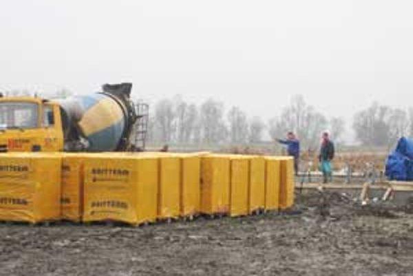 Na sklonku uplynulého roka začali v Rapovciach s výstavbou úvodnej etapy geotermálneho projektu Novolandia.