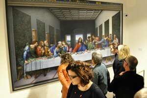 Oravská galéria vystavuje rekonštruovaný obraz Poslednej večere Stana Lajdu.