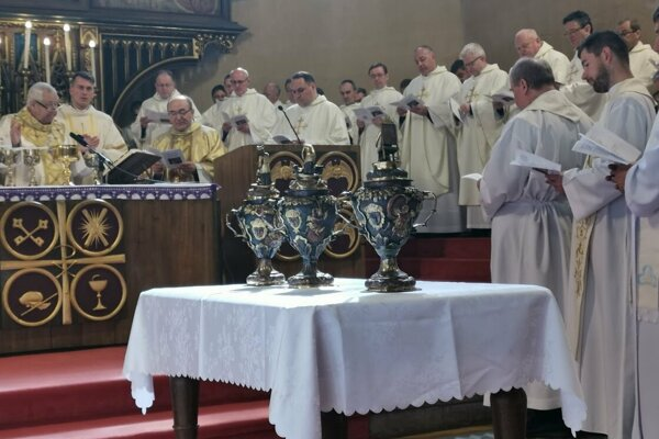 Svätenie olejov, sv. omšu celebroval spišský biskup Mons. Štefan Sečka.