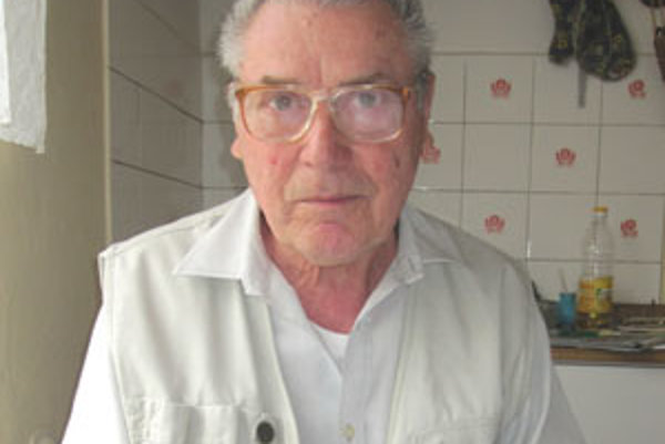 Emil Rončák sa narodil v Lome nad Rimavicou.