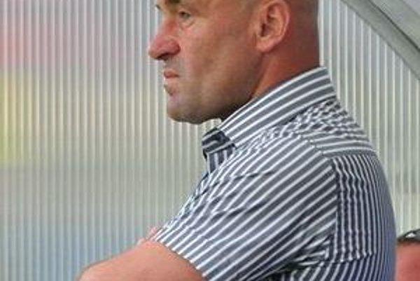 Jozef Škrlík kormidloval futbalovú loď Lučenca poldruha sezóny.