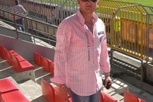 Viceprezidenta LAFC Tomáša Majoroša by potešilo, keby sa v sezóne 2011/2012 futbalisti LAFC vyhli záchranárskych prácam.