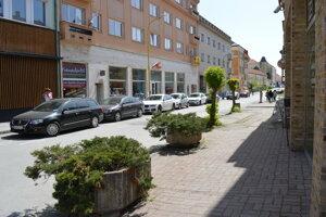 Ľudia kritizovali Jarkovú ulicu, kde nie sú stanovené jednotné pravidlá pri tvorbe priestoru.