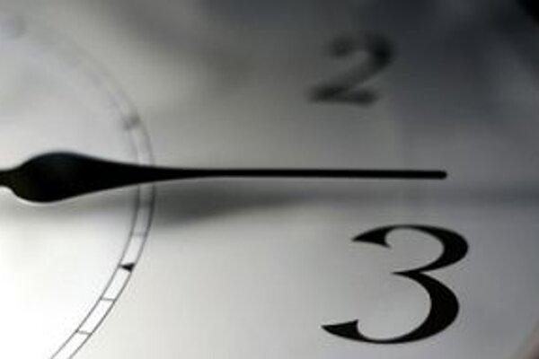 K letnému času by sme sa mali opäť vrátiť 25. marca 2012.