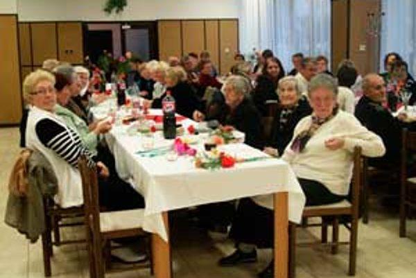 Dôchodcovia v Málinci nemajú čas na nudu.