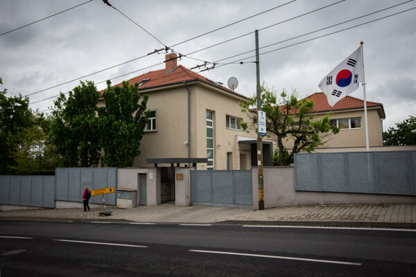 V Lettrichovej vile na Mudroňovej ulici 47, v ktorej je teraz veľvyslanectvo Južnej Korey by mal bývať budúci premiér.