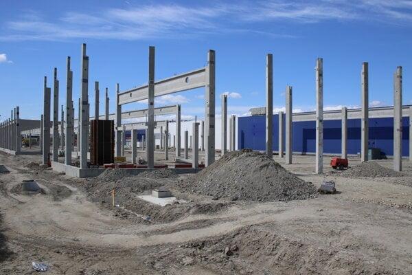 Výstavba nového nákupného centra Galéria v bratislavskej mestskej časti Petržalka.