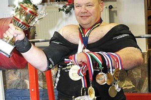 Petrovi Mihálymu st. sa zbierka cenných trofejí úctyhodne rozrastá.