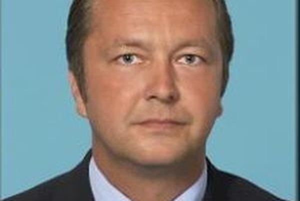 Prednosta a krajský poslanec Pavel Olšiak spracoval a predloží analýzu sociálno-ekonomickej situácie okresu Poltár.