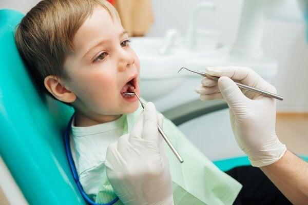 O zubnom kaze nerozhoduje genetika, ale hygiena a vplyvy okolia.