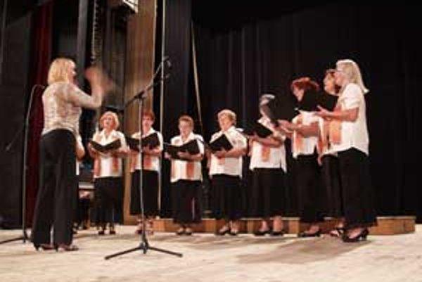 Zaspievali si nielen súbory, ale aj celé publikum.