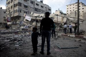 Zničená budova v Gaze.