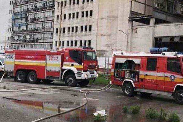 Hasiči hasia už druhý požiar mlynov v priebehu niekoľkých dní.