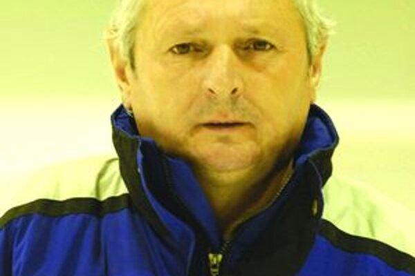 Hokejový tréner Tibor Daniš zakotvil na Gemeri.