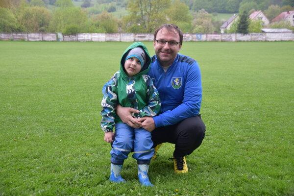 Tréner Stanislav Ceniga so svojím synom Stanislavom.