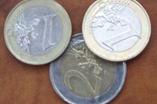 Falšujú sa už aj euromince.