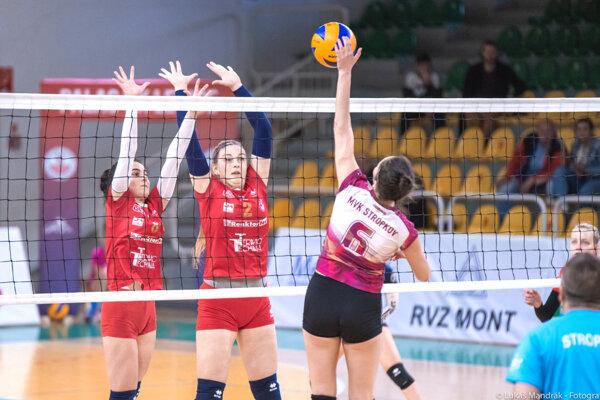 Juniorky Palas VK Levice (v červenom) obsadili na turnaji posledné miesto.