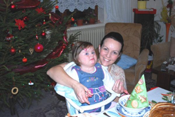 Aby Lucka mohla podstúpiť finančne náročnú liečbu v Piešťanoch, potrebuje pomoc dobrých ľudí.