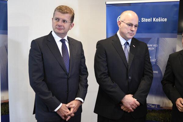 Utorkový brífing ministra hospodárstva Petra Žigu a prezidenta U. S. Steelu Košice Jamesa E. Bruna.
