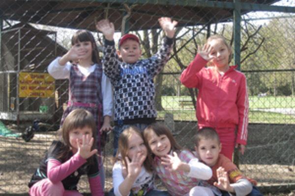 Deti chodia do parku najmä kôli hojdačkám a oslíkovi Maxovi.