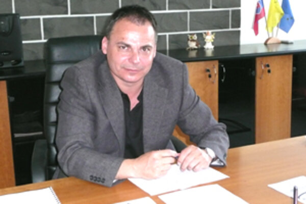 Dalibor Surkoš oceňuje opätovné zriadenie okresného riaditeľstva Policajného zboru SR vo Veľkom Krtíši.