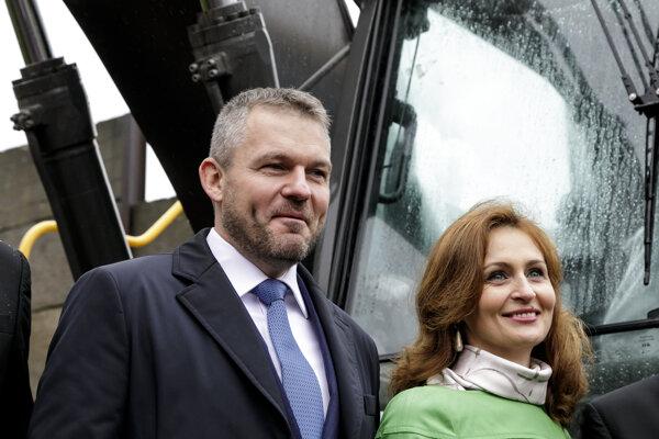 Peter Pellegrini a ministerka zdravotníctva Andrea Kalavská.
