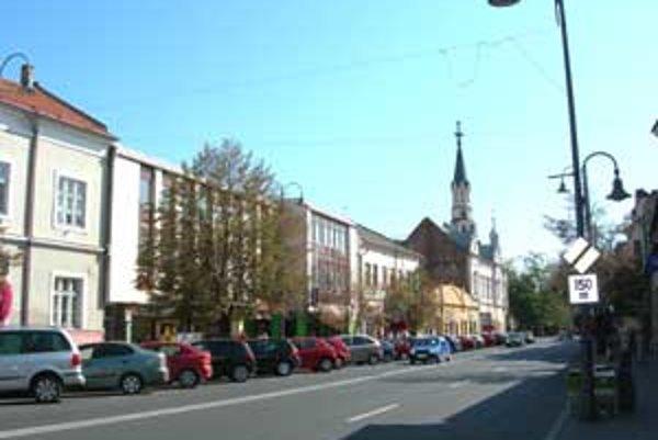 V Lučenci si študenti zmerali sily v súťaži Mladý európan 2010.