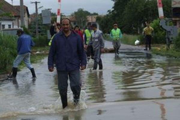 Ľuďom z Prše prišli na pomoc obyvatelia susedných Kováčoviec.