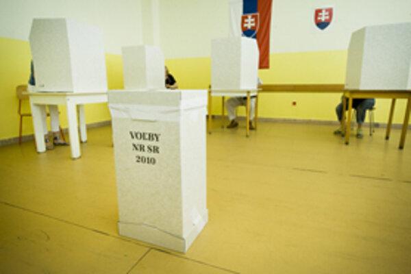 Starostka obce Márta Stubendek v sobotu pred novinármi kupovanie hlasov či ovplyvňovanie volieb razantne poprela.