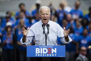 Joe Biden na zhromaždení v meste Filadelfia.