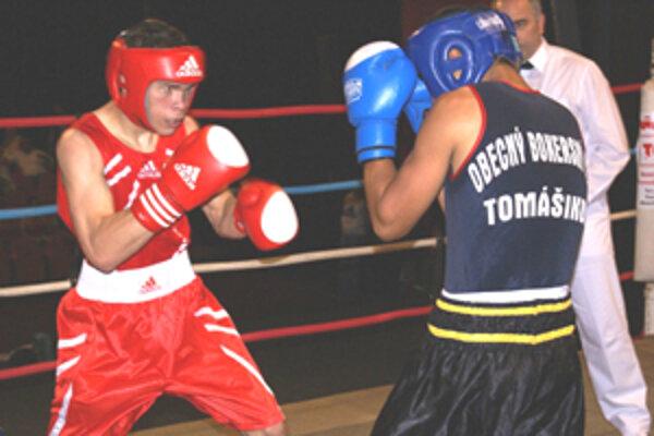Tomáš Zold (vľavo)v ringu).